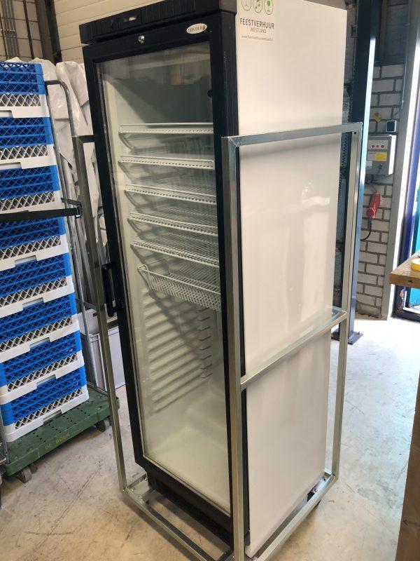 Hoge koelkast