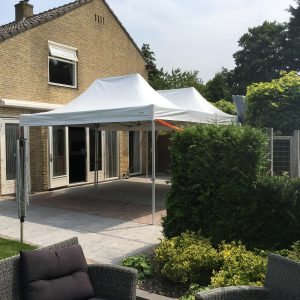 easy up partytent 3x4,5 meter